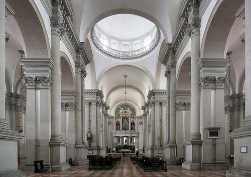 interieur-de-leglise-san-giorgio-maggiore